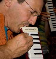 Hugh Nankivell plays melodica